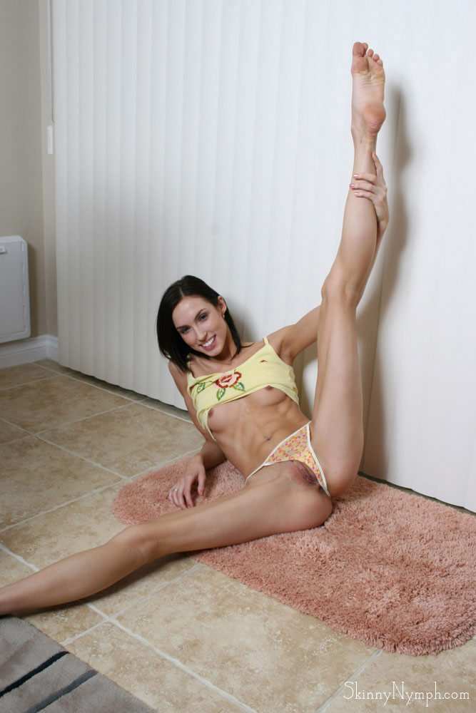 skinny-legs-small-pussy-sex